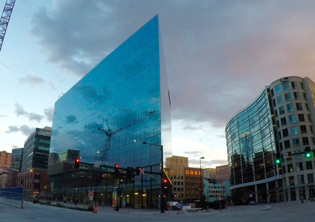 Report denver commercial real estate shows signs of for Building an estate
